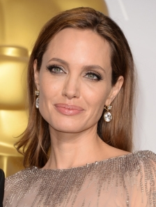 2014-Angelina-Jolie-at-Oscars-2014-foto-Getty-Images-476332177_reference