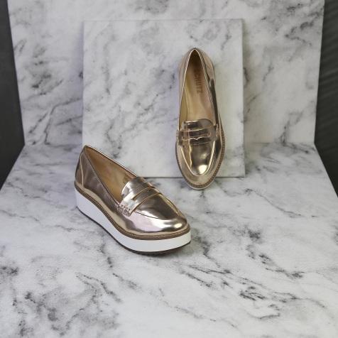 Sapato #SCHUTZ (35) R$89