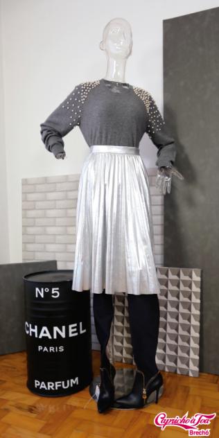 Look 2 Blusa NK (M) R$89 | Saia FOREVER21 (P) R$39 | Bota MIEZKO (36) R$179