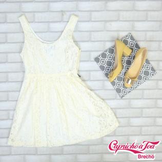Vestido FOREVER21 (M) R$49 | Sapato KATE SPADE (38) R$299
