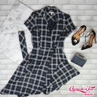 Vestido MNG (M) R$69 | Clutch R$20 | Sandália (38) R$79