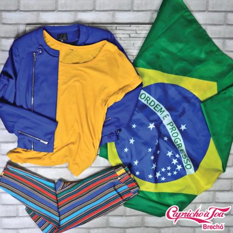 Casaco #TVZ (42) R$49   Camiseta (M) R$10   Calça #VERSACE (34) R$79